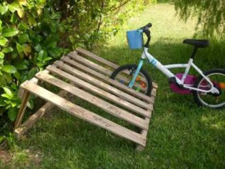 old pallet bike rack